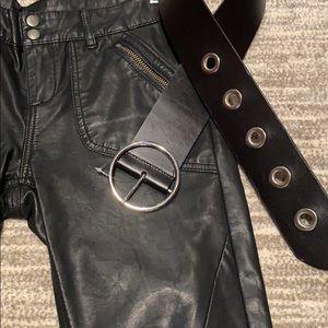 NEW!❤️❤️Nordstrom black leather belt